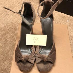 Joie Velvet heels NWT